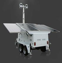 Автомобильный прицеп с системой уличного освещения быстрого развертывания и солнечной электростанцией
