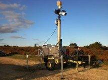 Автономный передвижной биоакустический отпугиватель птиц со встроенной электростанцией и прожекторами Аргус-Коршун